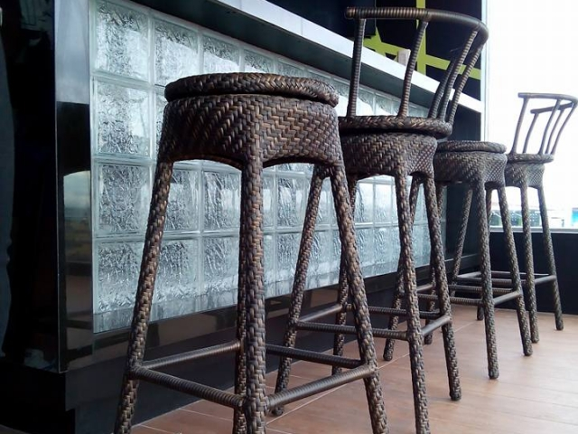 Pasil Rotating Bar Stool