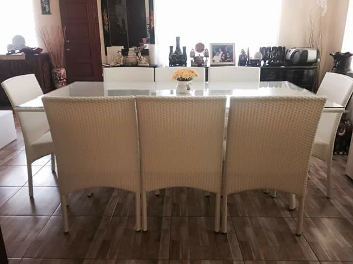 Fely 8 Seaters Dining Set